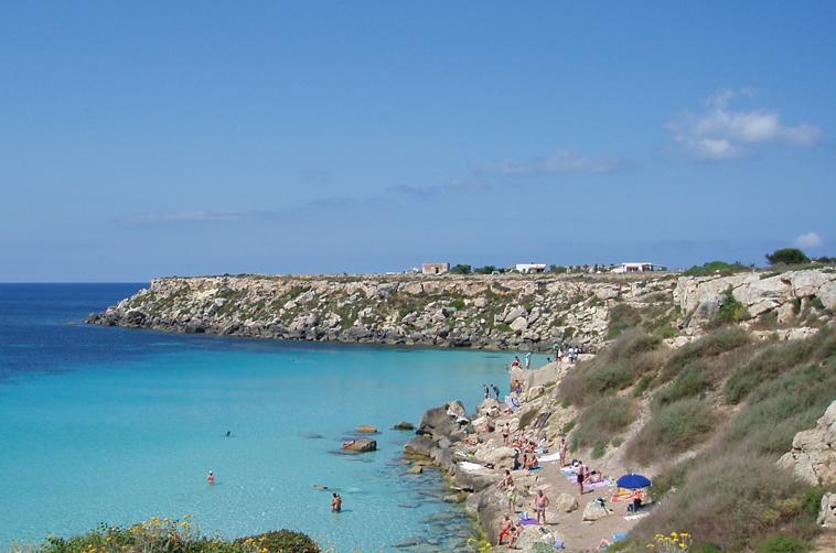 Favignana da scoprire spiagge itinerari monumenti for Culla azzurra