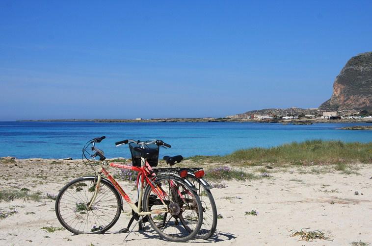 Favignana Da Scoprire Spiagge Itinerari Monumenti